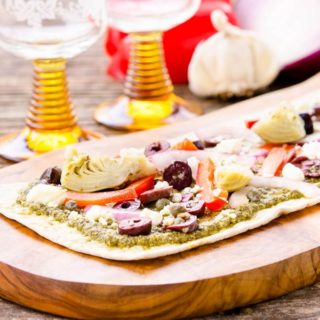 Mediterranean Flatbread for #SundaySupper