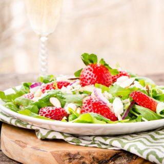 Sparkling Strawberry Salad for #SundaySupper #FLStrawberry